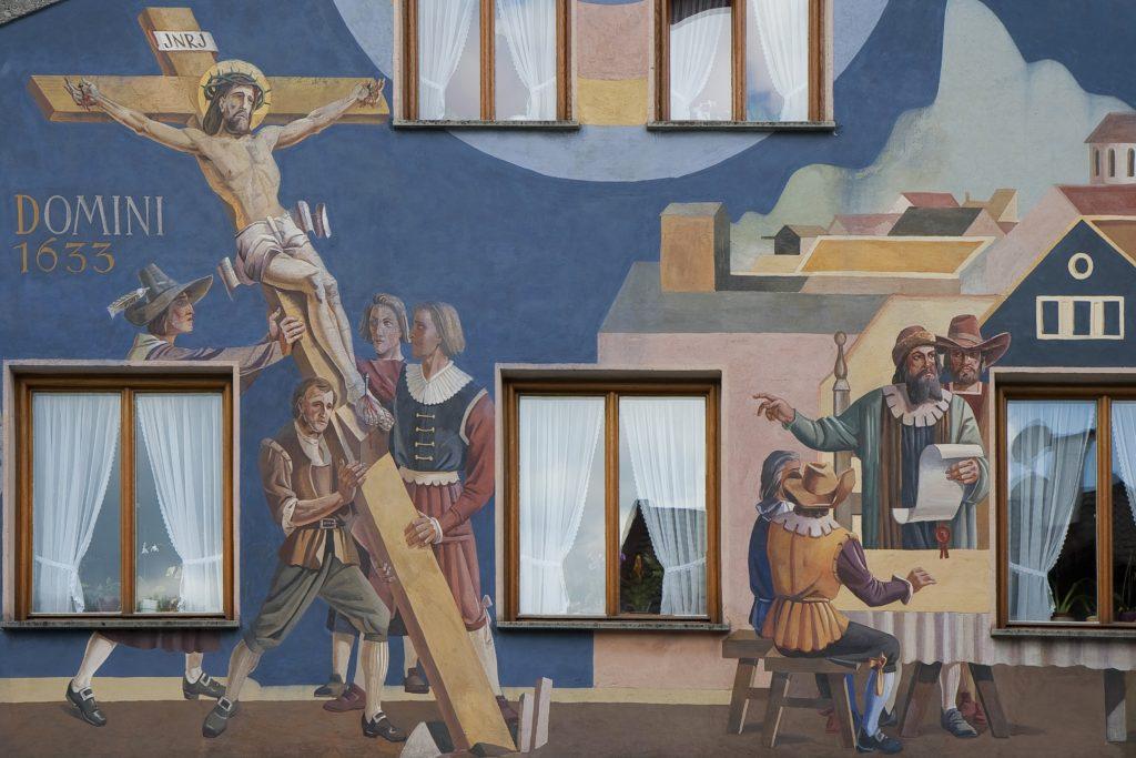 Dtail d'une vieille maison peinte d'Oberammergau